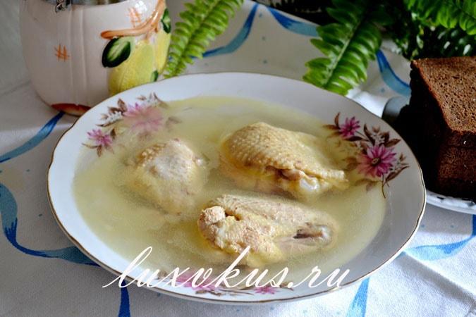 Холодец из курицы и куриных лапок, без желатина