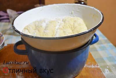 Рецепт сладкого рулета с орехами