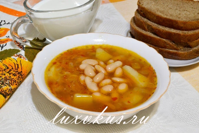 Фасолевый суп с консервированной фасолью и мясом