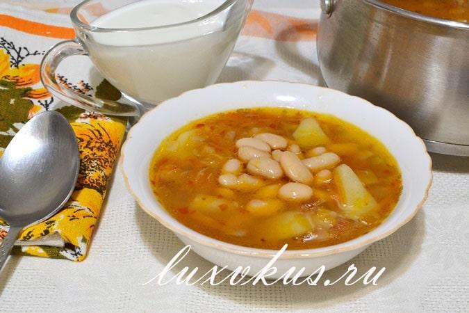 Суп из консервированной фасоли , фото