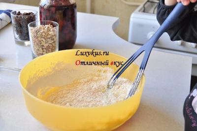 Тесто с орехами и сухофруктами