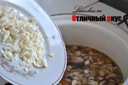 сыр в сырном супе