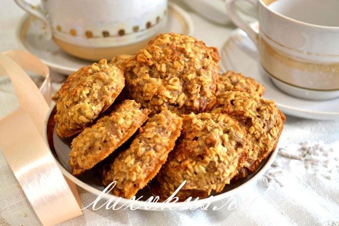 Постное овсяное печенье с яблоками