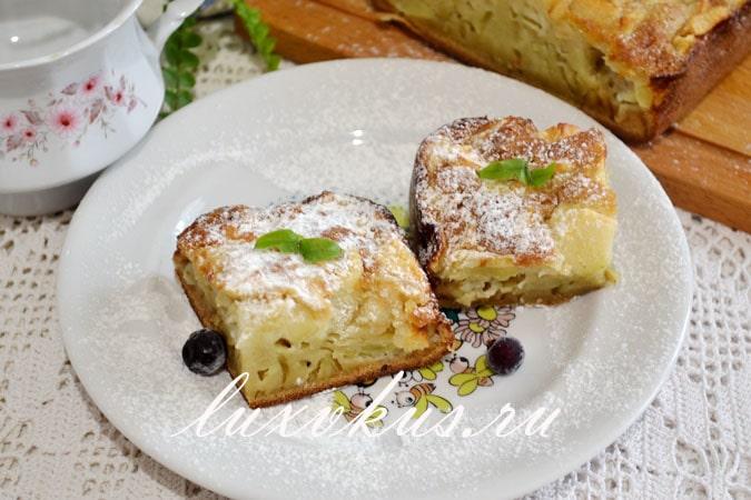 Шарлотка на молоке с яблоками в духовке