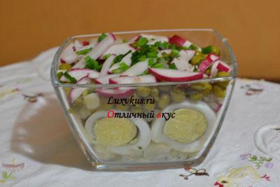 Салат из свежего редиса
