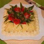Салат с сыром и курицей