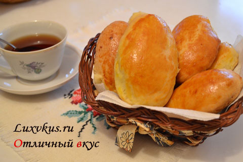 Пирожки из дрожжевого теста на кефире