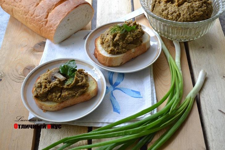 постный паштет из чечевицы с грибами