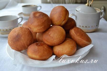 Берлинские пончики с джемом
