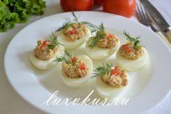 Яйца фаршированные печенью трески